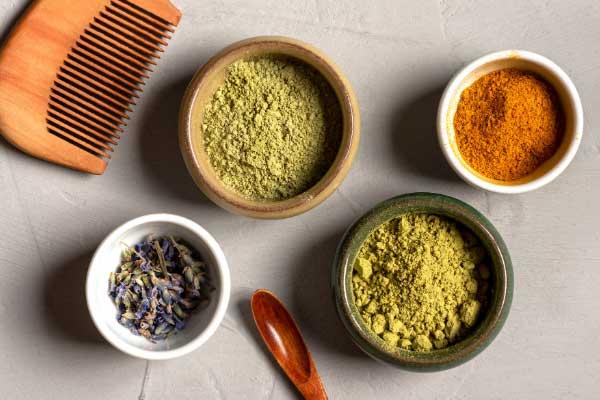 La poudre de neem et ses multiples utilisations